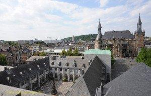 Blick von der Galerie des Westturms auf Kreuzgang mit Quadrum