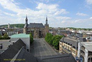 Blick von der Galerie des Westturms auf Katschhof und Rathaus