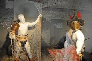 Xanten - Amphitheater Nachbildungen von Gladiatoren