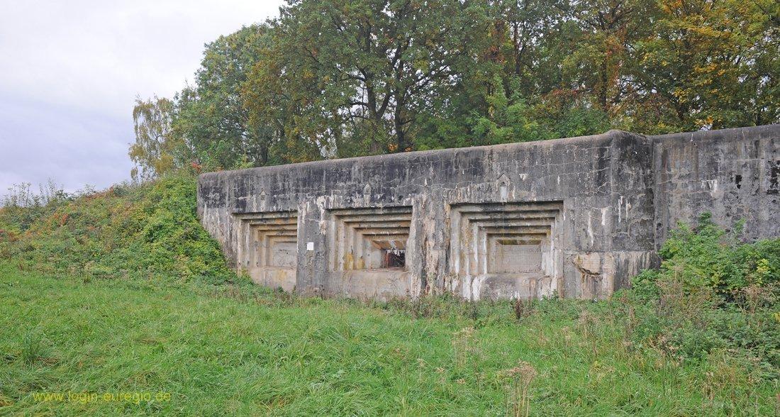Fort Eben Emael Fort Eben Emael: Geschützkasematte - Schartenfront von Maastricht 2
