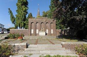 Kriegerdenkmal in AC-Eilendorf vor der Sanierung